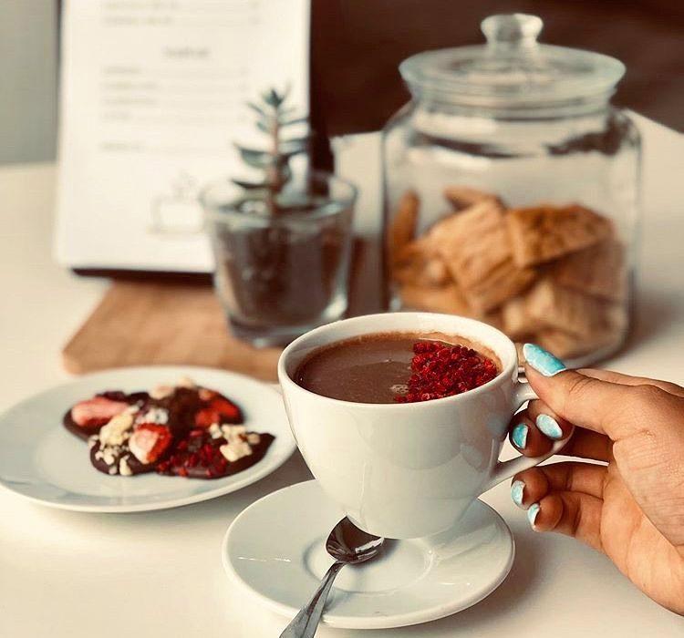 Gorąca czekolada na śniadanie? Czemu nie! Kolumbijczycy piją ją codziennie